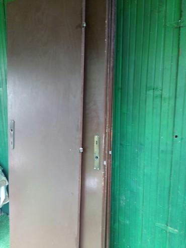Nameštaj - Paracin: Vrata u supet stanju.sa bravom.samo da nisu dzabe.menjali smo sa