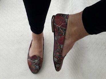 Shoes - broj 38. Jako udobne i lagane. Broj 38 gaziste 24cm