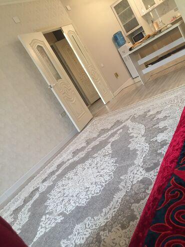 Долгосрочная аренда квартир - С мебелью - Бишкек: Сдается 2 к кв 68кв м. На белинке магистраль. Есть все