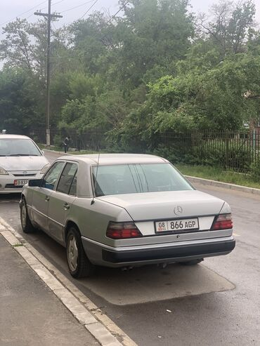Mercedes-Benz W124 2.6 л. 1992 | 395600 км
