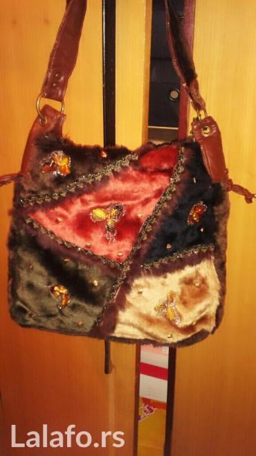 Zenska torba od krzna sa cirkonima i biserima - Kladovo