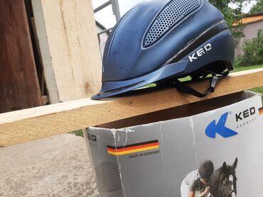 Posao u nemackoj - Srbija: Kaciga KED Nemacke proizvodnje!Postoje sitna ostecenja u vidu