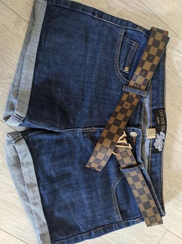 Продаю джинсовые шорты