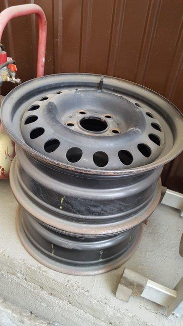 диска мерседес в Кыргызстан: Диски штамповки для мерседес 124 в идеальном состоянии 2шт