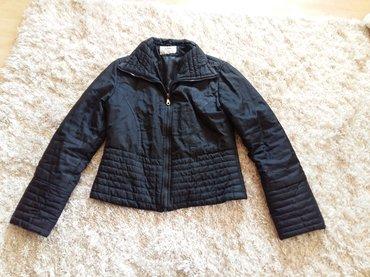 Stepana crna jaknica, model je strukiran. Nije za debele zime, vec za - Novi Sad