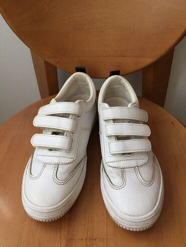 Обувь б/у женская или подростковая. Размер 36