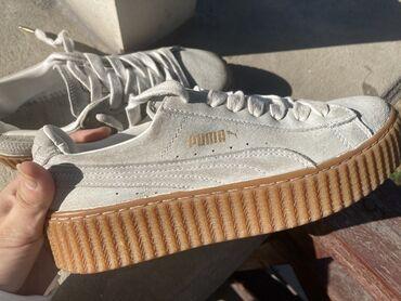 ремонт обуви поблизости в Кыргызстан: Оригинальные женские кроссовки Puma Rihanna Suede Creepers,состояние
