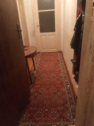- Azərbaycan: 4 otağli evimin 1 otağina kirakeş xanim axtariram. 3 otaginda mən