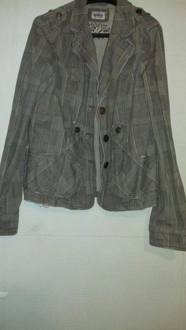 Karirana jaknica sa cepkanim detaljima - Vrsac