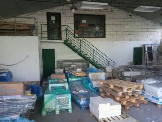 Ostale poslovne nekretnine - Srbija: IZDAJEM MAGACINSKI PROSTOR I DVE KANCELARIJEIZDAJEM MAGACINSKI PROSTOR