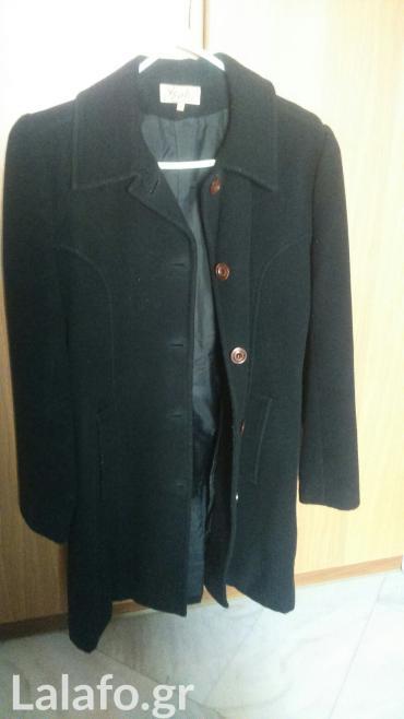 Πολύ ζεστό παλτό. Μαύρο χρώμα. Νο2. σε Piraeus