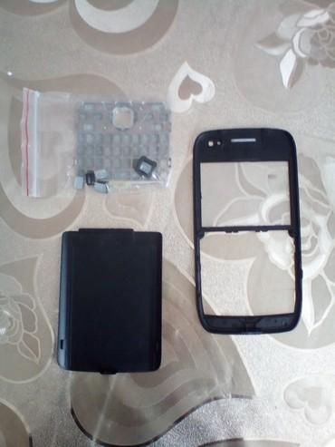 Bakı şəhərində Nokia E72 ucun teze korpus. Qiymet sondur.
