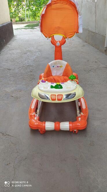 Детский мир - Лебединовка: Ходунки детские бу 500 сом в отличном состоянии, есть торг
