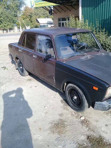двигатель нива 1 7 инжектор цена in Кыргызстан | ВАЗ (ЛАДА): ВАЗ (ЛАДА) 2107 1.5 л. 1986