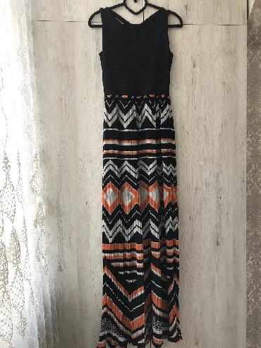 длинные вечерние платья в пол в Кыргызстан: Вечернее платье с декоративной спинкой и юбкой плиссе. Подойдет на кор