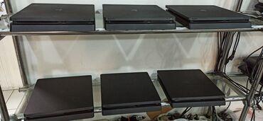 Playstation 4 slim 500 gb, az islenmis. bir original pultu var.1 illik