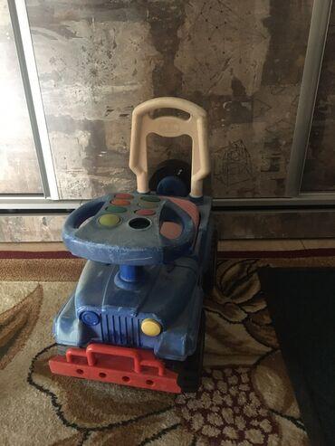 Продаю детскую машинку б/у. Все Детали машины в хорошом состоянии.Едет