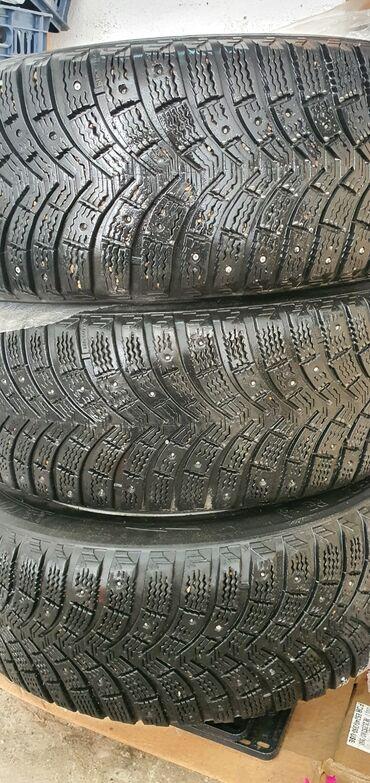 Диски с резиной зимние шины. Размер 17. На камри подойдут любую
