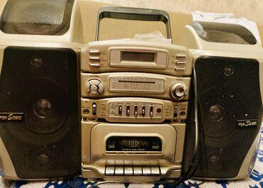kaset - Azərbaycan: Top Sonic firmasi. Diskovod, radio, kaset yeri de var Qiymetde