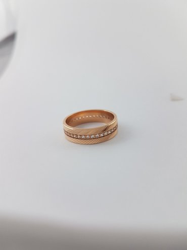Кольцо из красного золота 585 проба. 18. 5 и 17. 5 в Бишкек