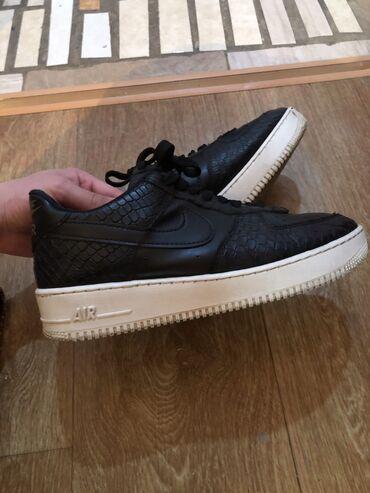 обувь женская классика в Кыргызстан: Модель Года NIKE  Размер 41 Полу классика полу Спорт