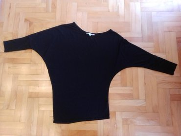 Ženska odeća | Nova Pazova: Crna majica, kao nova, par puta nosena