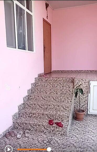 Ev və bağ Qaxda: Qax rayonunun enbercay kendinde dağ menzereli gozel evdir. Heyet 12