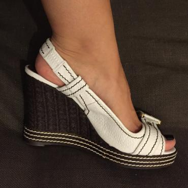 Zara peep toe platforms. White leather with brown. Very good σε North & East Suburbs