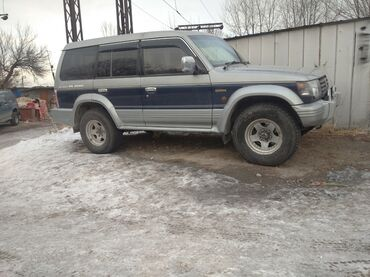 авто видео регистратор в Кыргызстан: Mitsubishi Pajero 3 л. 1996