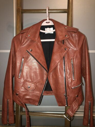 штатив тренога для телефона в Кыргызстан: Куртка Bershka (Жен) оригинал.Заказывали со штатов. Новая не ношенная