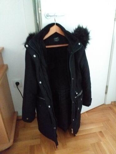 Zimska jakna sa krznom - Srbija: Crna,topla zimska jakna,nepromociva,postavljena,sa kapuljacom i