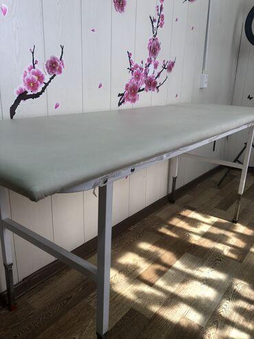 Медицинская мебель - Кыргызстан: Продаю кушетку в хорошем состоянии