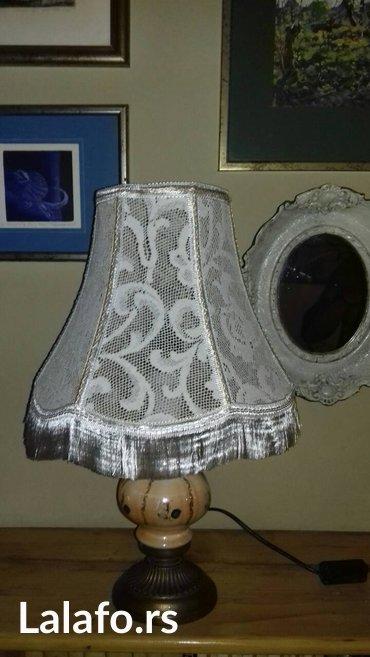 Komodna lampa snovi u satenu, u odlicnom stanju, mesingano postolje, - Belgrade