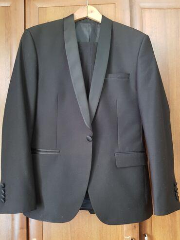 маленькое черное платье для полных в Кыргызстан: Продаю костюм в новом состоянии