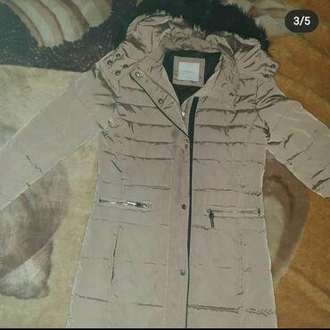 Pojasevi - Srbija: MANGO *PERJANA* jaknanova,samo fali pojas(izgubljen u transportu)