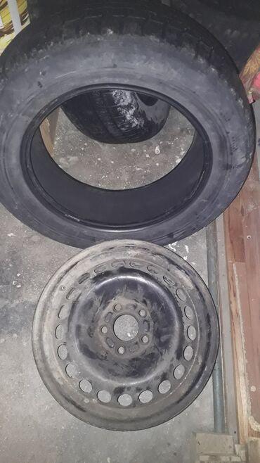 r16 диски в Кыргызстан: Продаю диск с шинами 1 шт, на запаску. Размер R16. На форд. 1000с