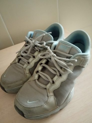 Оригинал кроссовки Nike, размер 39. в Бишкек