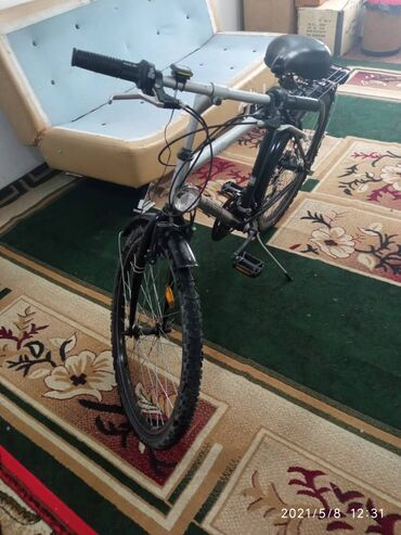 Спорт и хобби - Манас: Продаю велосипед качество Германия в комплекте спидометр горят