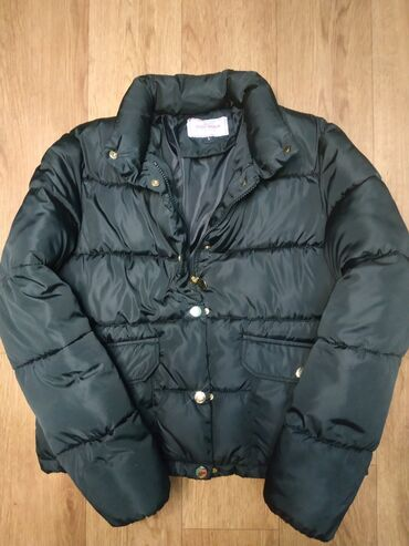 пальто женское зимнее бишкек в Кыргызстан: Женская зимняя куртка. Размер: L, подходит на S,M. Цвет: черный