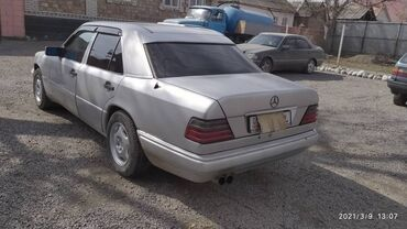 Mercedes-Benz - Задний - Чолпон-Ата: Mercedes-Benz W124 1994