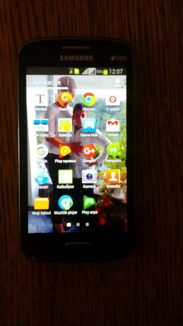 Mobilni telefoni - Kragujevac: Samsnung duos sa dve kartice +memoriska sa punjacem. Nema ostecenja