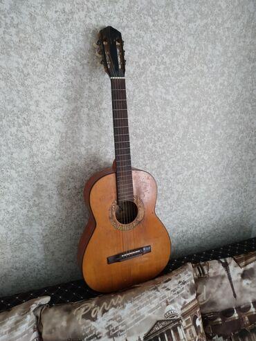 Музыкальные инструменты - Кыргызстан: Звук хорошийгриф ровный чехол есть !