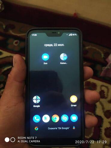 Мобильные телефоны и аксессуары в Беловодское: Б/у Xiaomi Mi A2 Lite 64 ГБ Черный
