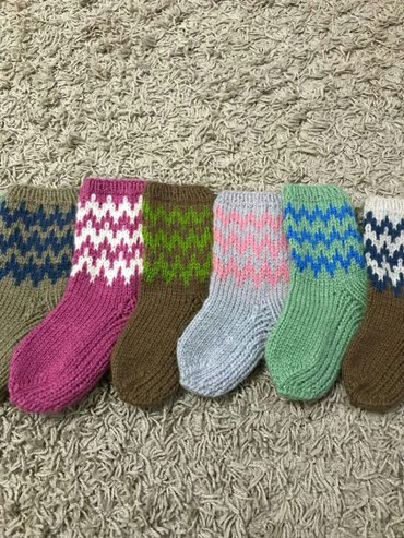 Носки и белье - Сокулук: Детские вязаные носочки,в наличии и на заказ