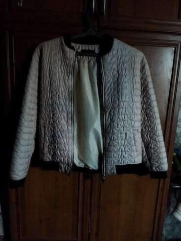 Продаю куртку 700 с Цвет : золотой Размер : 44-46 Качество