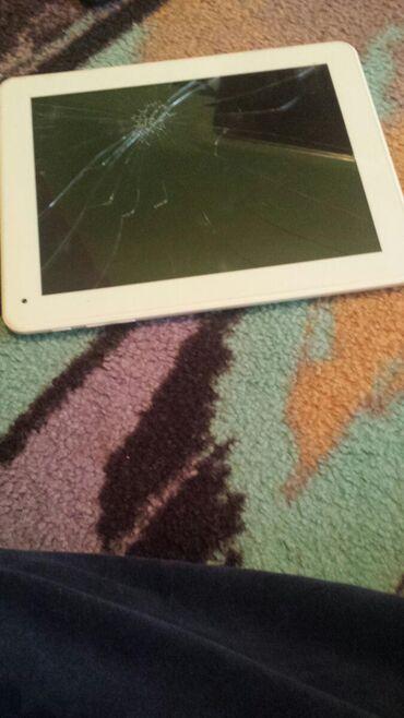 Tablet dugme mu neradi za paljenje i naprso ekran nemogu da ga upalim