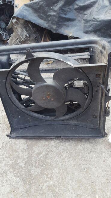 BMW E46 диффузор с вентилятором
