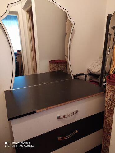 Кровати - Кемин: Продается спальный кровать и камод. 10000 .г Кемин