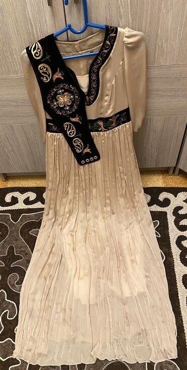 Продаю шелковое платье в национальном стиле от кыргызского бренда