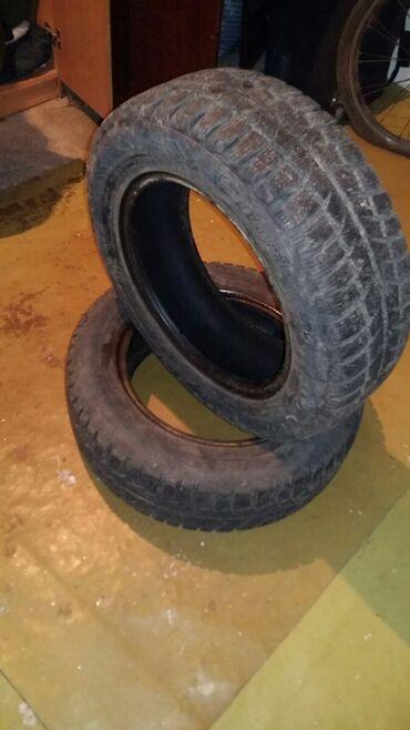 шины 195 65 r15 зима в Кыргызстан: Продаю 2 зимние шины размер 195 65 R15 или меняю на 175 65 R14
